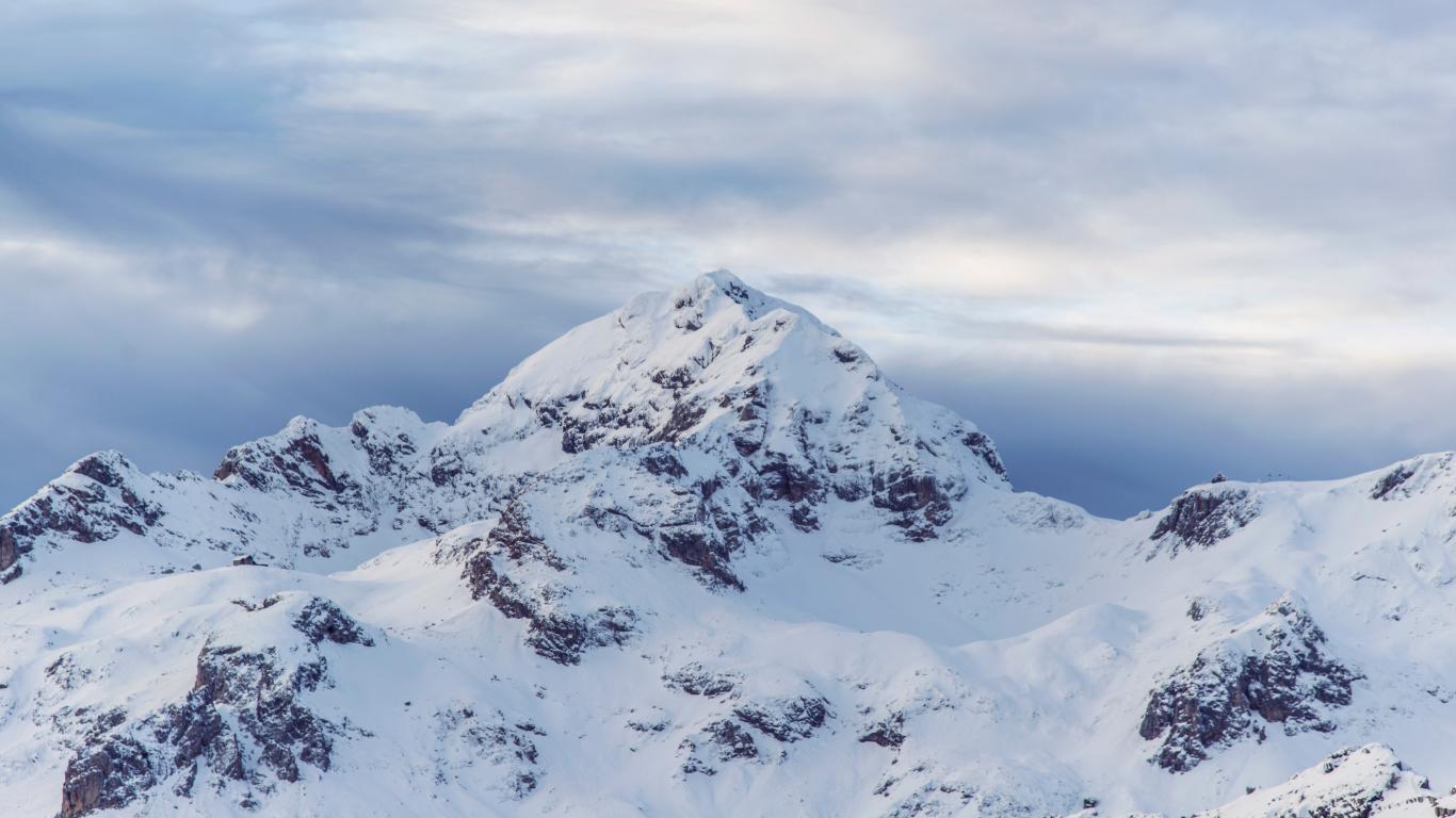 Amazing White Snow Nature Mountain Wallpaper