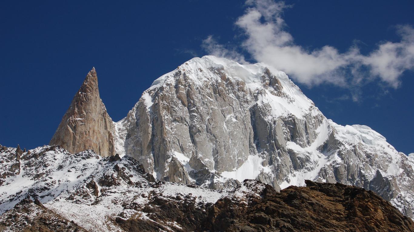 Ladyfinger & Hunza Nature Mountain Wallpaper