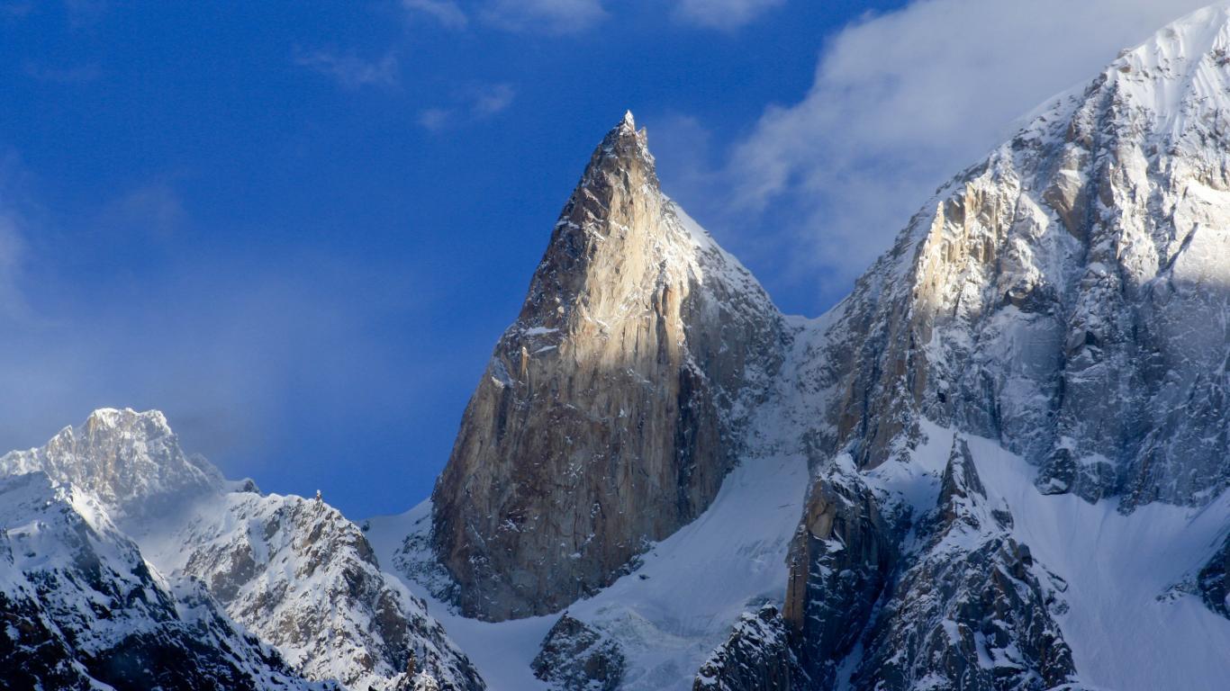 Ladyfinger Nature Mountain Wallpaper