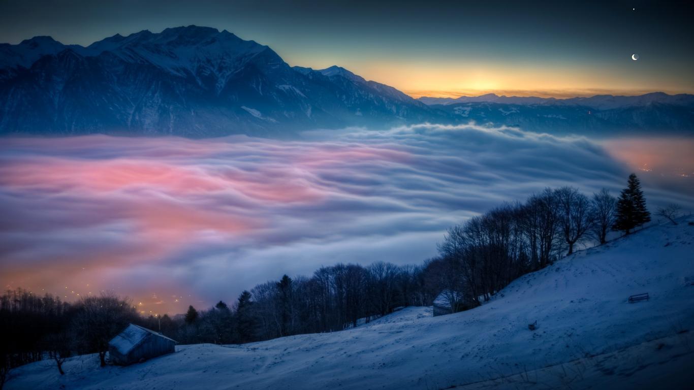 Lovely View, Fog on Nature Mountain Wallpaper