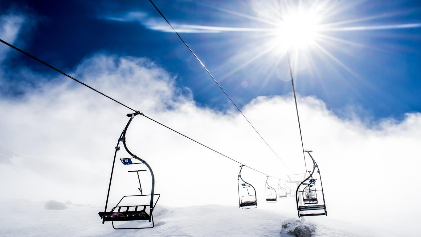 Ropeway Ski Resort & Nature Mountain Wallpaper