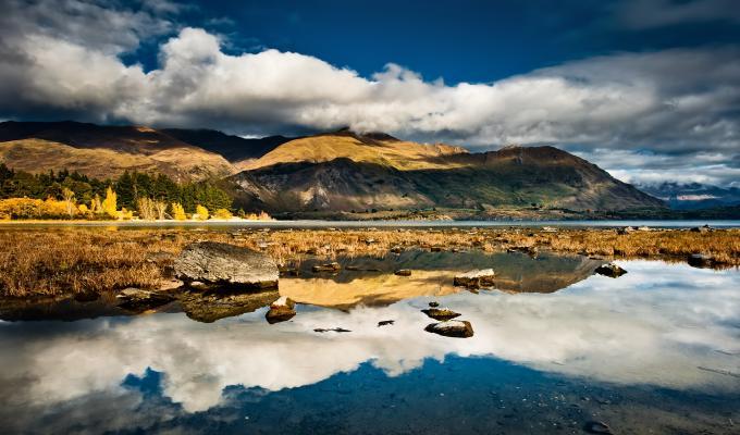 Beautiful New Zealand Mountain Image