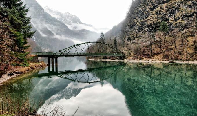 Beautiful Scenery of Lake & Mountain Image