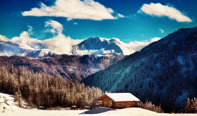 Cabin Between Smoky Mountain Image