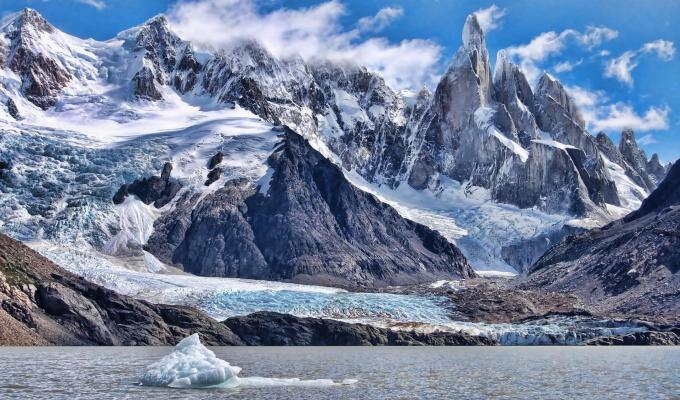 Gorgeous Snow  Mountain Image