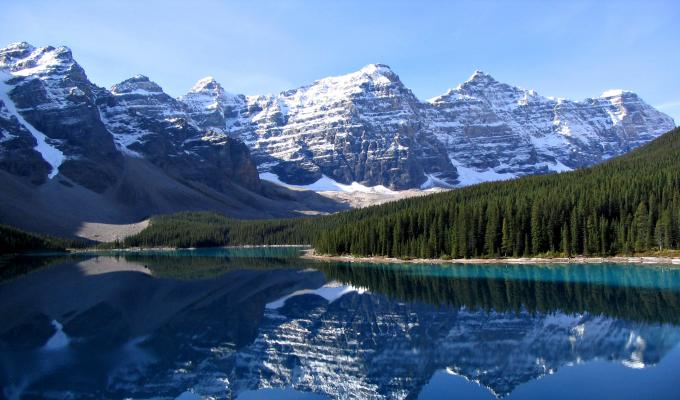 Moraine Lake & Mountain Wallpaper