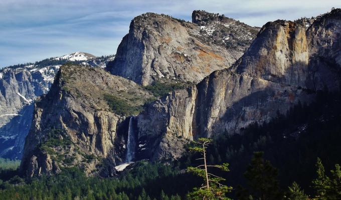 Beautiful Yosemite Mountain Image
